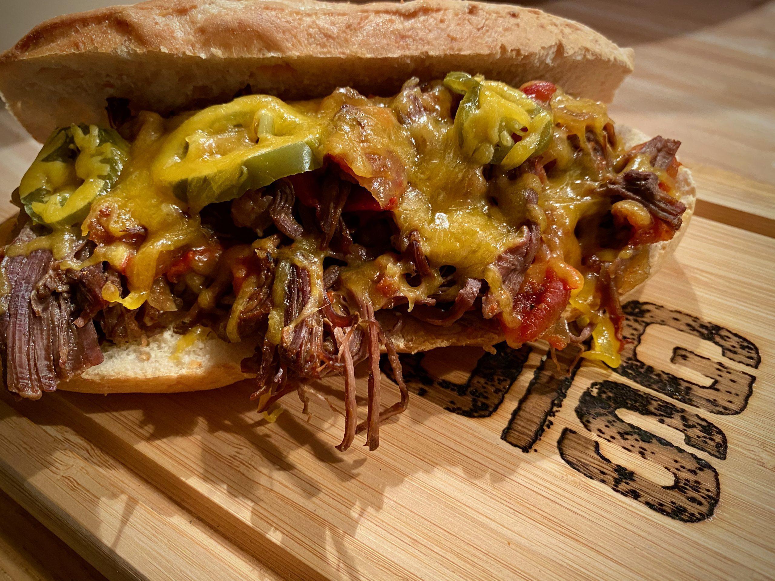 Shredded Beef Sandwich – zerrupftes Rindfleisch aus dem Dutch Oven